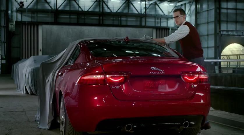 Jaguar promoveaza tehnologiile de pe noul XE intr-un mod malefic