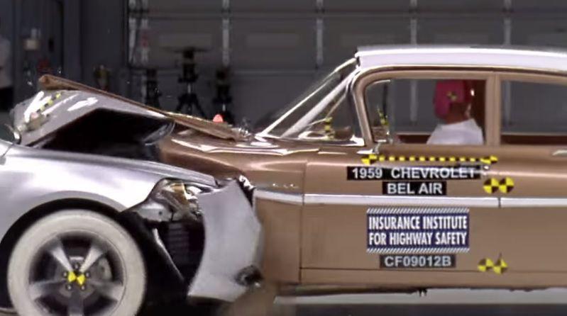 Crash test între un Chevrolet Bel Air din 1959 și un Malibu din 2009