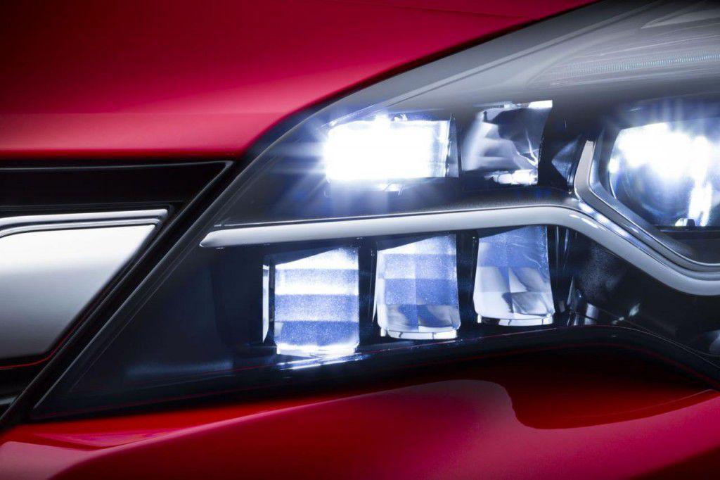 Viitoarea generație Opel Astra va avea faruri LED cu tehnologie matrix