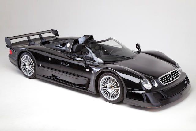 Un Mercedes-Benz CLK GTR Roadster va fi scos la licitație