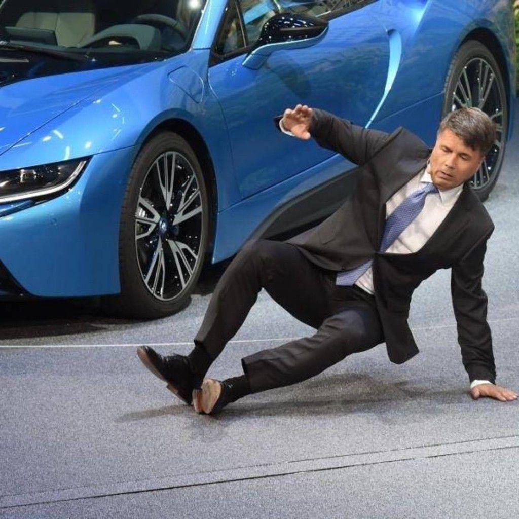 CEO-ul BMW, Harald Krueger, a leșinat pe scenă în timpul conferinței de la Frankfurt