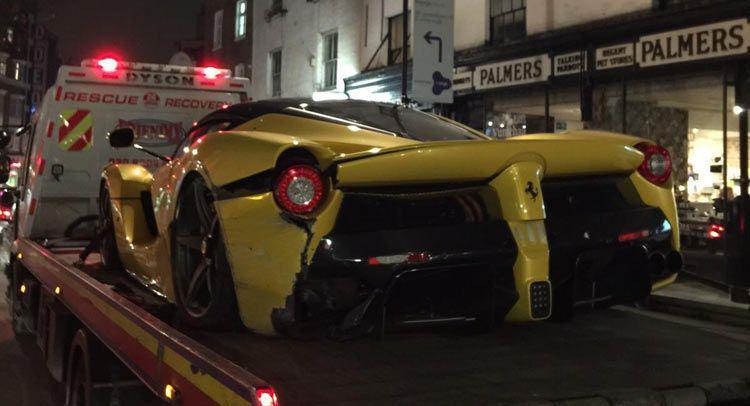 Un nou accident în care este implicat un Ferrari LaFerrari