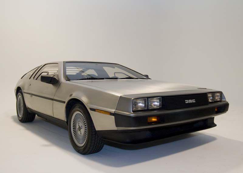 Modelul DeLorean DMC-12 revine pe piață