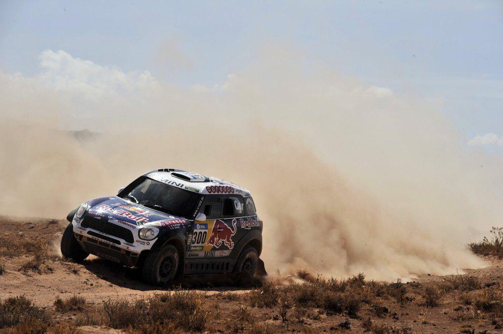 Dakar 2016 – Sebastien Loeb se răstoarnă, iar Al-Attiyah câștigă etapa