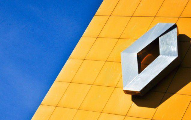 Renault România recrutează 500 de oameni, iar 100 de studenți se pot înscrie în stagii de practică