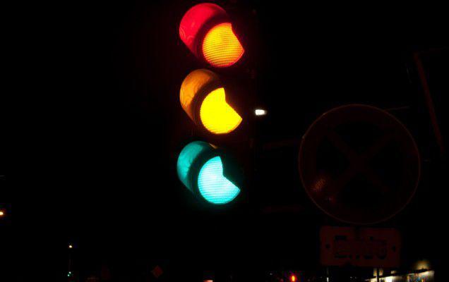 Aproximativ jumătate dintre semafoarele inteligente din București nu sunt funcționale