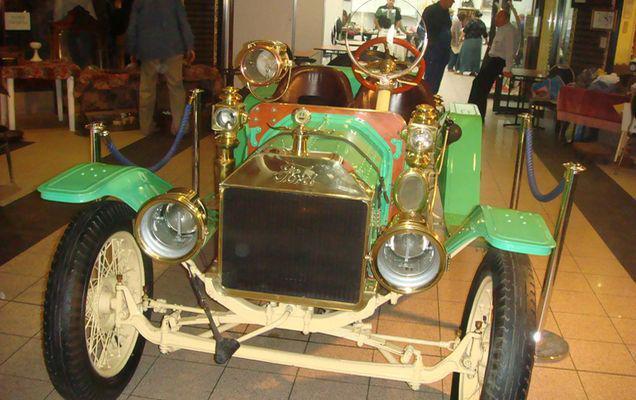 Povestea uneia dintre cele mai vechi mașini din România: Fordul Speedster