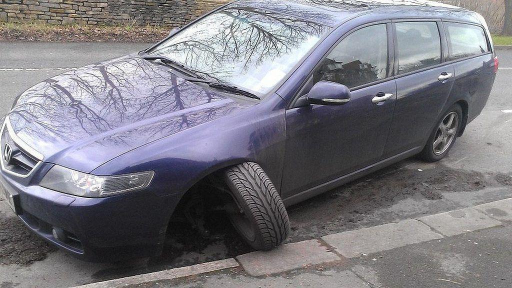 V-ați distrus mașina în gropile de pe drum? Iată cum recuperați banii