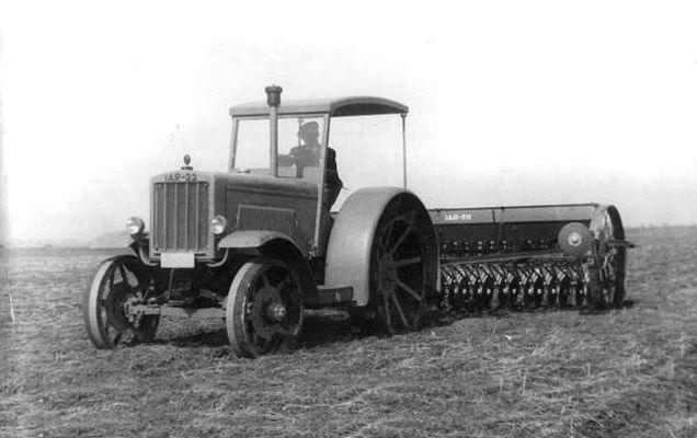 Așa arăta IAR 22, primul tractor românesc | FOTO