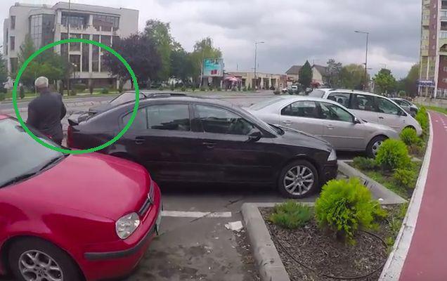 Așa arată tupeul nemărginit la români! Reacția unui șofer care l-a blocat pe altul e incredibilă! | VIDEO