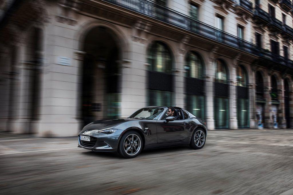 Mazda MX-5 RF debutează în România – Lista de prețuri