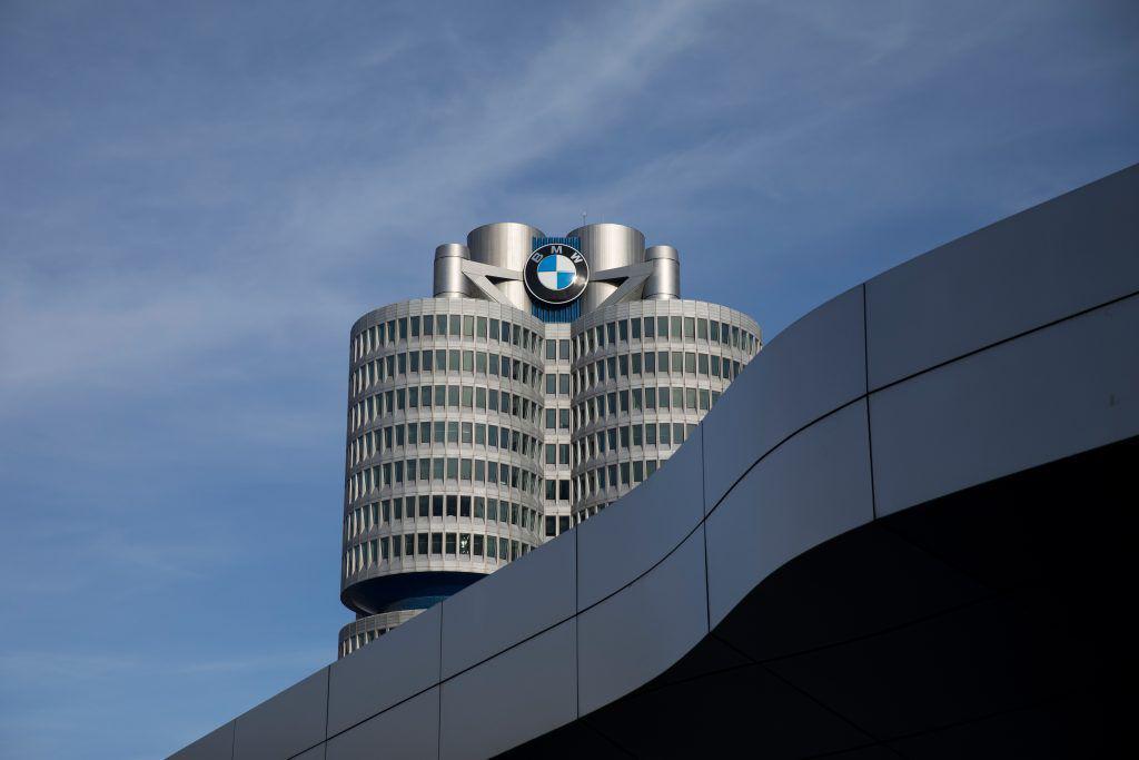 Bloomberg: BMW concediază 6.000 de persoane