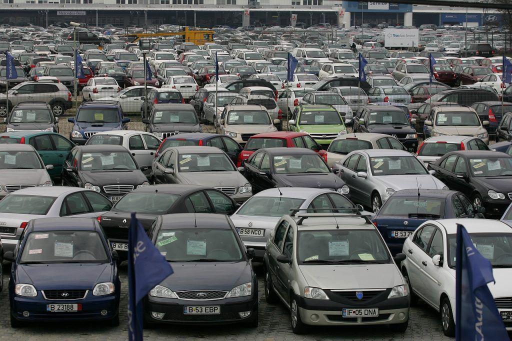 Ce trebuie să faci ca să nu fii păcălit de samsari după ce a fost eliminata taxa auto