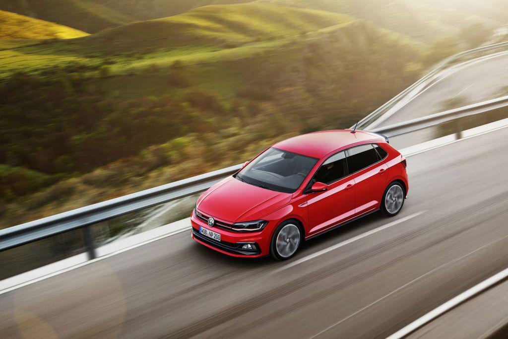 """Noul Volkswagen Polo: va fi un """"benchmark în segment"""" aşa cum a anticipat șeful mărcii Herbert Diess?"""