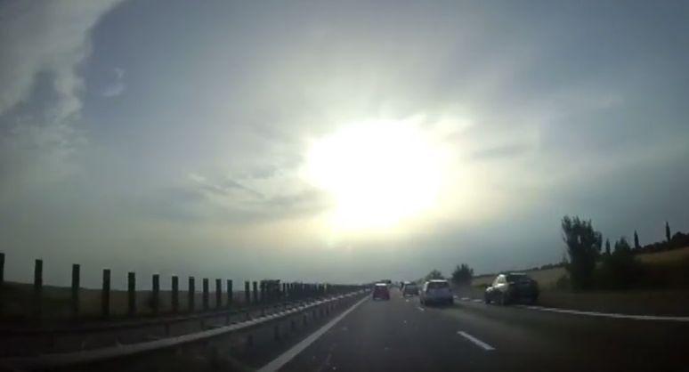Care educație rutieră? Uite cum conduc românii pe Autostrada Soarelui! | VIDEO