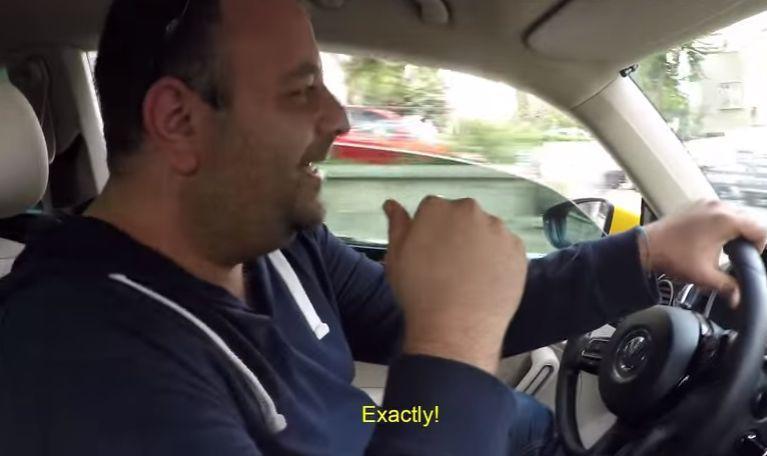 Cel mai nebun șofer! Și-a vândut mașina ca să parieze tot pe victoria echipei favorite. Ce a urmat?