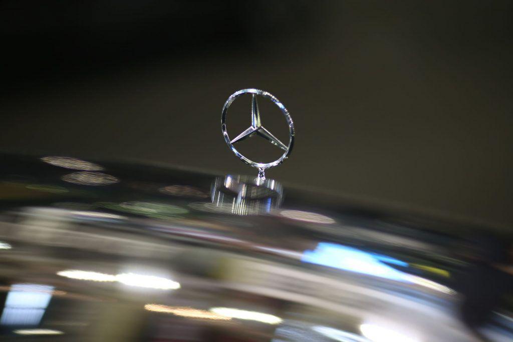 Record pentru Mercedes-Benz: vânzările au depăşit pragul de două milioane de vehicule