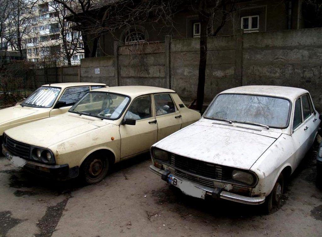 3.000 de mașini abandonate ocupă parcările Capitalei