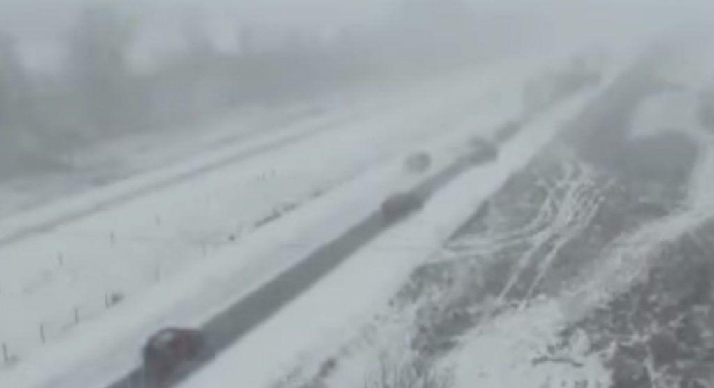 Accident terifiant surprins pe o autostradă din SUA – Video