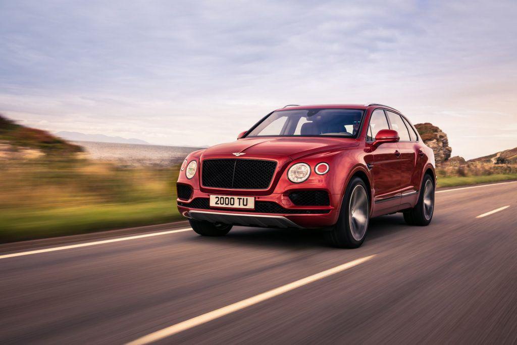 Bentley aduce la SIAB 2018 cea mai puternică versiune a SUV-ului Bentayga