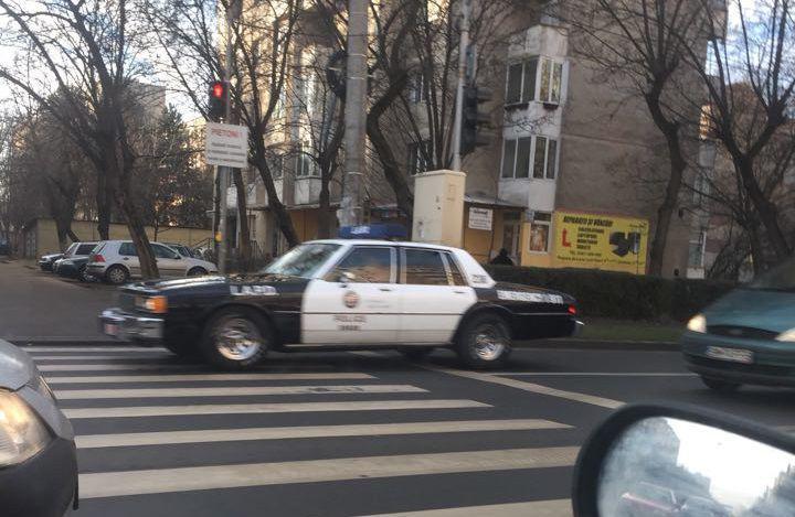 Ce caută o mașină americană de poliție în Satu Mare?