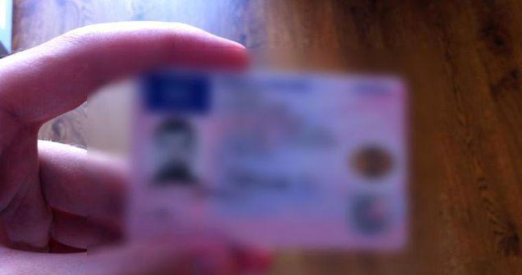 Cât costă un permis fals de șofer profesionist
