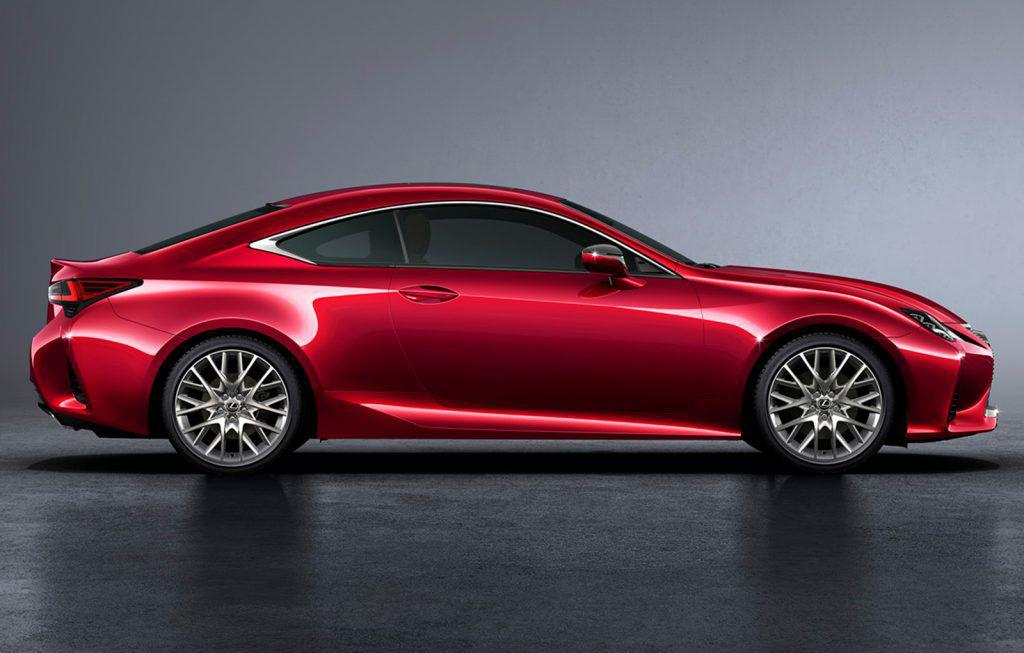 Lexus RC facelift: Rivalul lui BMW Seria 4 Coupe are haine noi!