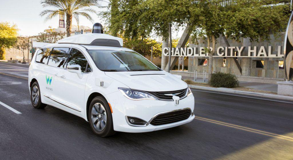 Mașinile autonome Waymo au parcurs 16 milioane de kilometri