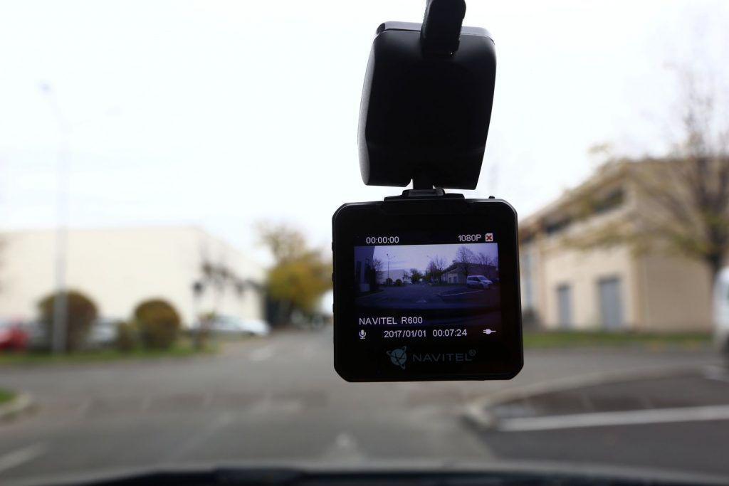 Navitel R600 și Navitel E500: Tot ce îți trebuie pentru a rula în siguranță pe drumurile României