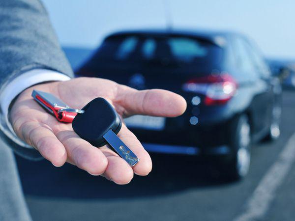 (P) Ce trebuie să știi pentru a face o achiziție de mașini în rate fără avans