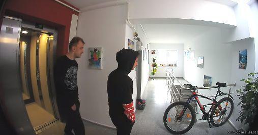 VIDEO: furt (eșuat) de bicicletă în Brașov, demonstrație de hilară incompetență