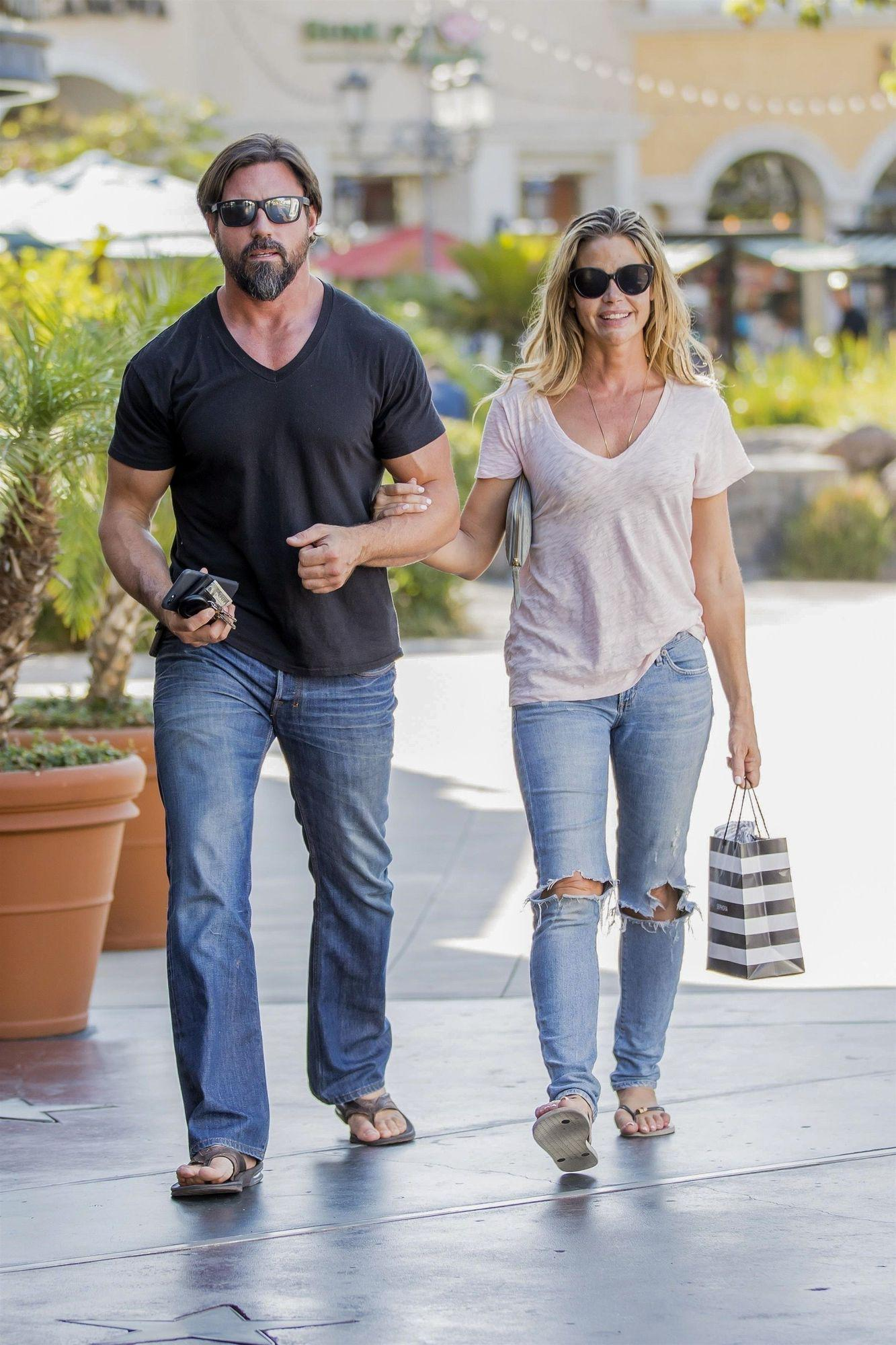 Denise Richards s-a casatorit