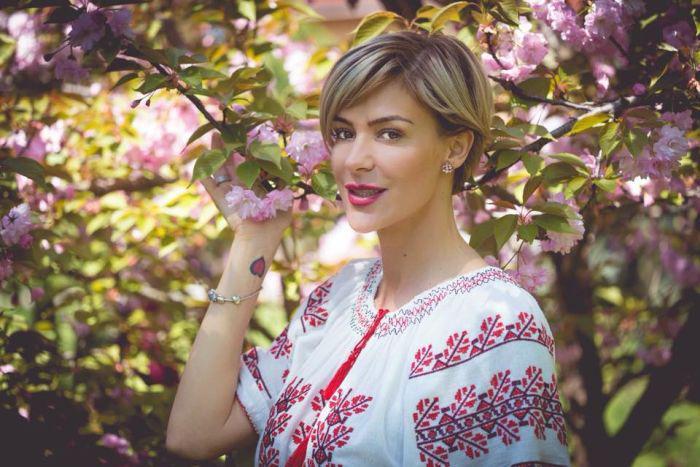 Roxana Ciuhulescu naşte prin cezariană al doilea copil