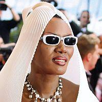 Grace Jones - Femeia bionica