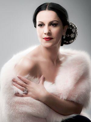 """Interviu exclusiv cu Angela Gheorghiu - Diva absoluta careia i se spune""""¦ Draculette"""